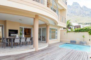 4031-camps-bay-accommodation-bay-vista