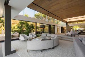 4_bed_vacation_villa_-_higgovale_-_lounge