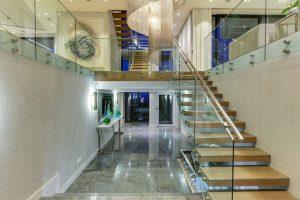 6_bed_villa_bakoven__staircase
