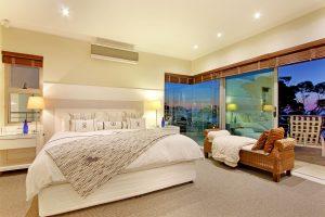 Hollywood-Mansion-bedroom