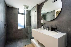 Thirty-Two-Camps-Bay-Villa-bathroom