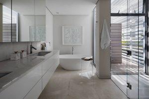 bantry_bay_5_star_villa__bathroom