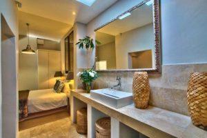 bedroom_with_bathroom_2