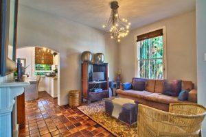 lounge_toward_kitchen