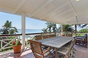 Breakers-Beach-house-Llandudno-Villa-UPSTAIRS-ALFRESCO-DINING