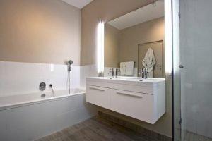 Horak-Villa-Camps-Bay-Holiday-Rental-bathroom