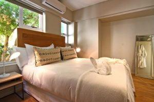 Horak-Villa-Camps-Bay-Holiday-Rental-bedroom-2