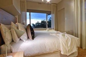 Horak-Villa-Camps-Bay-Holiday-Rental-bedroom-3