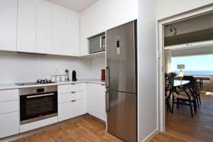 Horak-Villa-Camps-Bay-Holiday-Rental-kitchen
