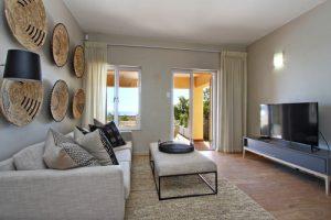 Horak-Villa-Camps-Bay-Holiday-Rental-lounge-lounge