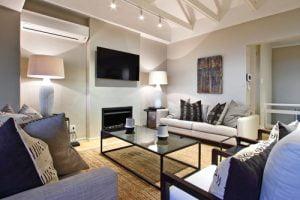 Horak-Villa-Camps-Bay-Holiday-Rental-second-lounge