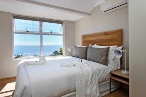 Horak-Villa-Camps-Bay-Holiday-Rental-top-bedroom