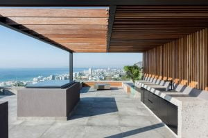 33-6-01-18-44-60-roof-deck