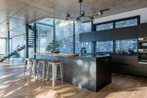 St-Leon-Villa-Bantry-Bay-kitchen-2