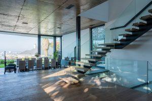 Villa-St-Leon-Bantry-Bay-dining-area