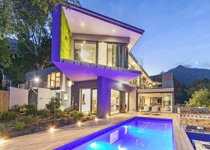 Constantia Mansion - Luxury Villa in Cape Town- exterior