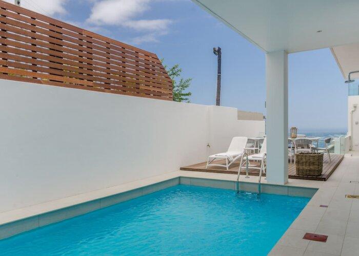 Villa Twenty Four - Luxury Camps Bay Accommodation pool