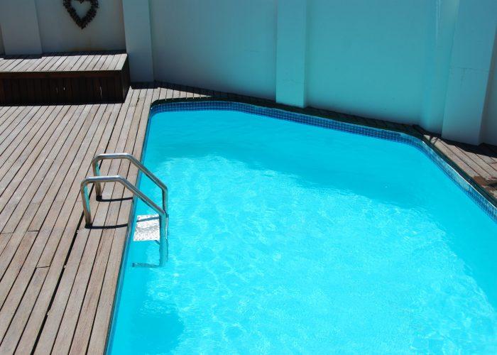 pool_1||bathroom_1||kitchen||bedroom_3||0100||kitchen_2||10img_2125||front_of_apartment||bedroom_1||12open_plan_lounge_area||pool_3