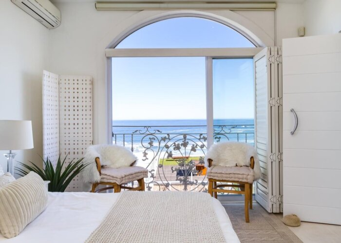 seaview-apartment-french-room_03