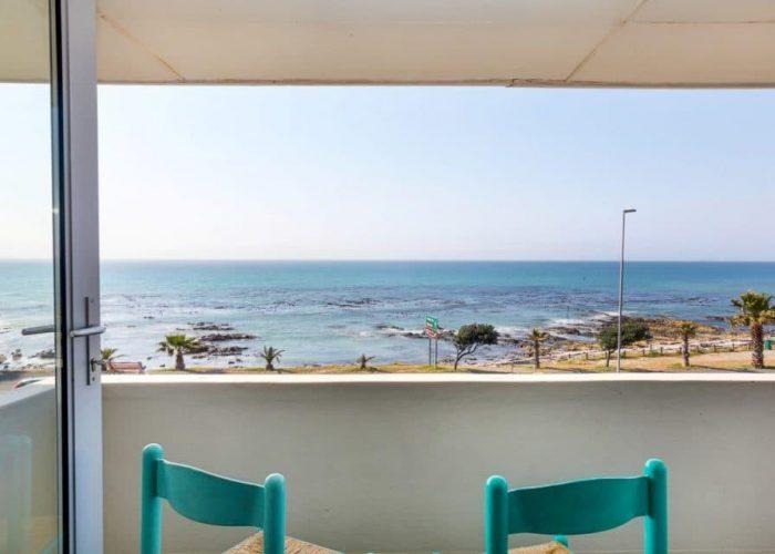 valentine-valentine-sea-views-46521952-960x640||valentine-valentine-living-area-views-46521943-960x640||valentine-valentine-dining-area-46521946-960x640||valentine-valentine-ocean-view-46521953-960x640||valentine-valentine-formal-living-area-kitchen-46521939-960x640||valentine-valentine-kitchen-46521940-960x640||valentine-valentine-kitchen-living-space-46521948-960x640||valentine-valentine-formal-lounge-dining-area-46521944-960x640